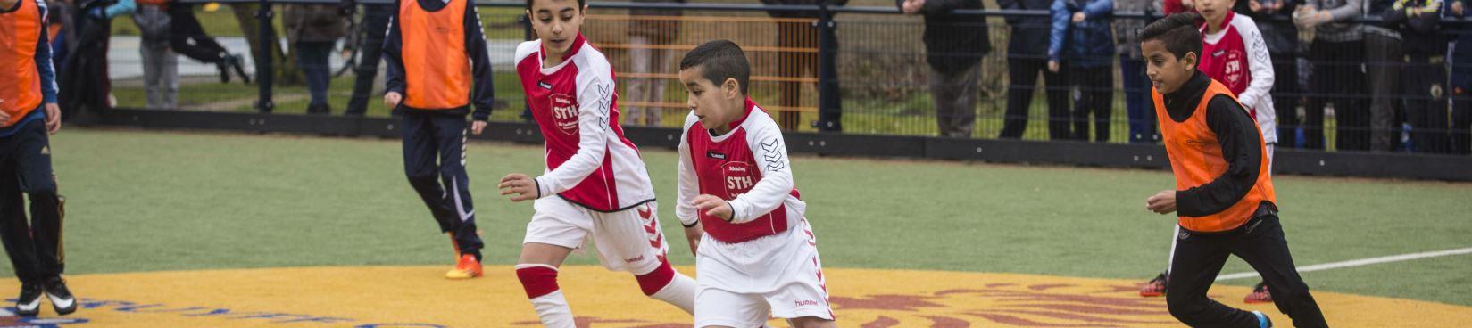 Voorronde Cruyff Courts Kampioenen 6 vs 6 op Cruyff Court Haarlem