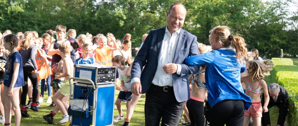 De toermalijn wint schoolsport triatlon