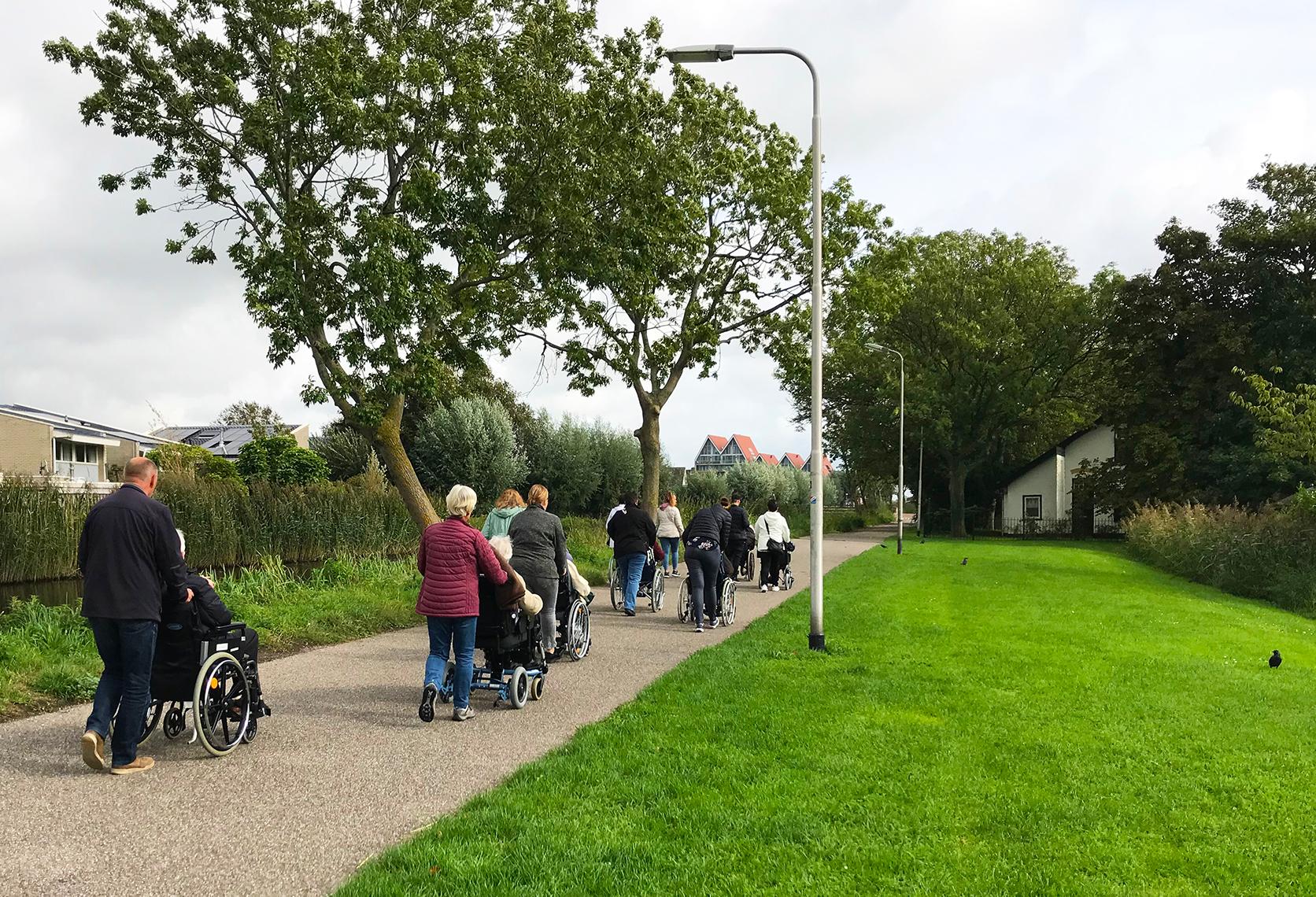 Geslaagde Herfstwandeling voor ouderen in Hillegom
