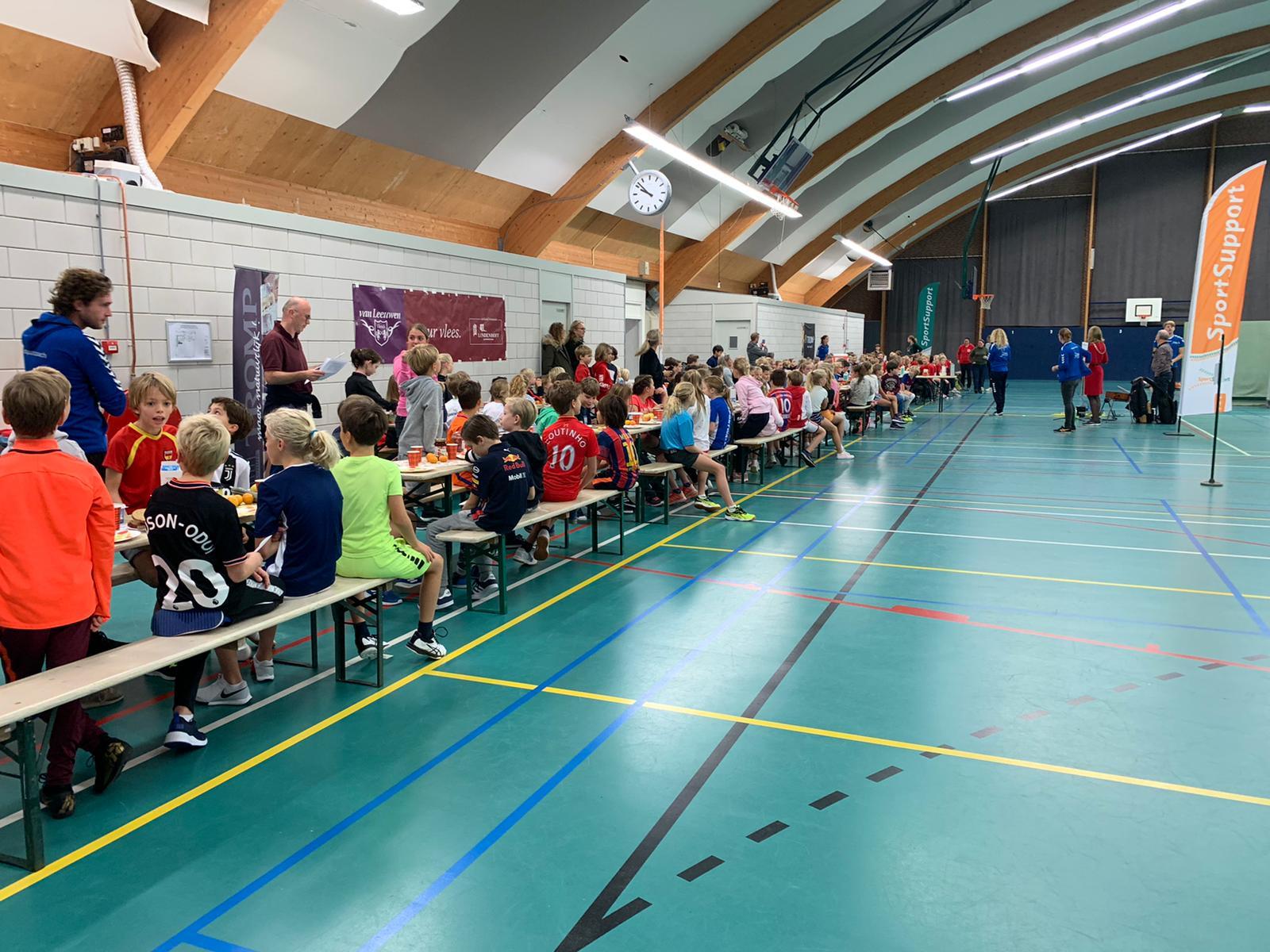 Heerlijk ontbijten en fanatiek sporten tijdens het Sportontbijt in Bloemendaal